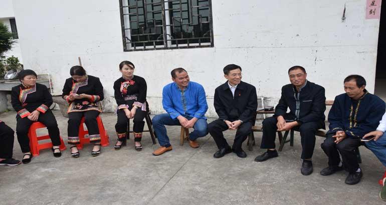 """省委宣讲团前往上金贝开展""""学习贯彻党的十九大精神""""宣讲活动"""