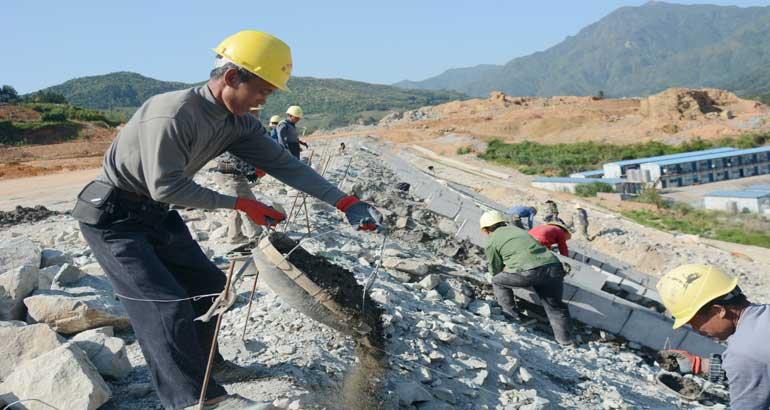 衢宁铁路蕉城段加速建设