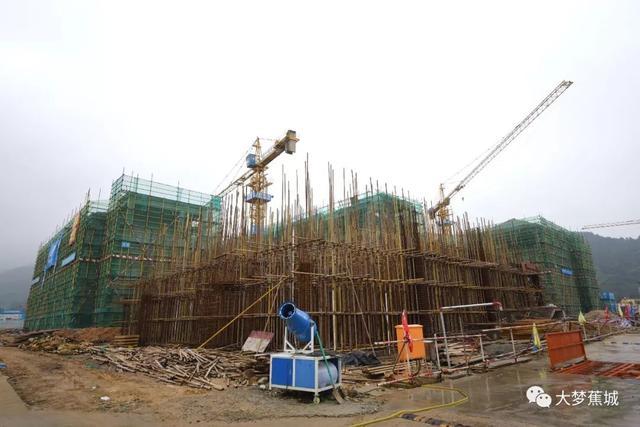 好消息!宁德西林学校4栋主楼封顶啦,你的入学计划又近了