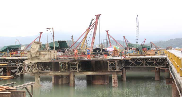 七都溪特大桥建设加速度