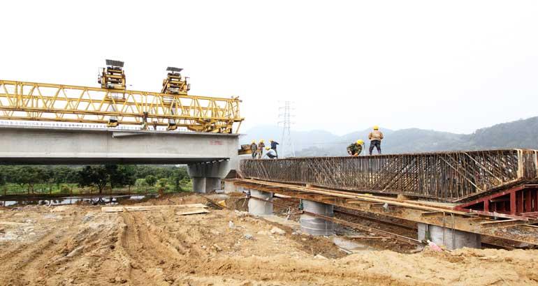 104国道改扩建项目加速度