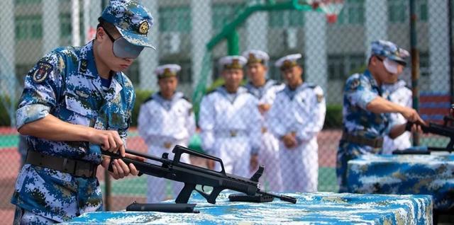 生动!遇见海军蓝,骄傲了,我的国我的军……