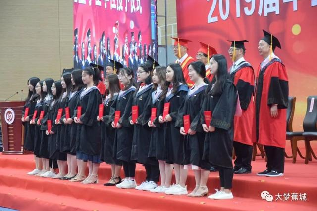 又是一年毕业季 快来看看这些优秀的毕业生~~