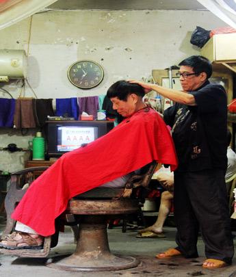 慢刀须臾——南大路的那家老理发店