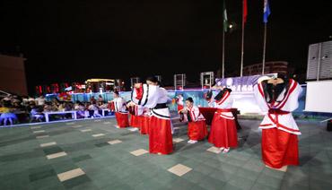 区行政服务中心:汉服拜月迎中秋 传统文化显魅力
