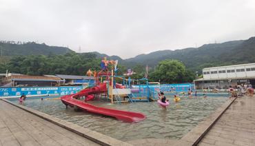 炎炎夏日 蕉城掀起游泳热