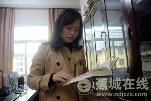 委员风采|刘芬:青年视角 尽心履职 为民发声