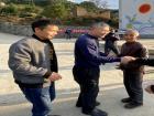 区领导春节前走访慰问困难党员和精准扶贫户