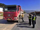 蕉城区交通执法大队开展工程运输车辆整治行动