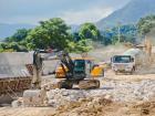 双车道扩宽为四车道 国道G104改扩建工程有新进展
