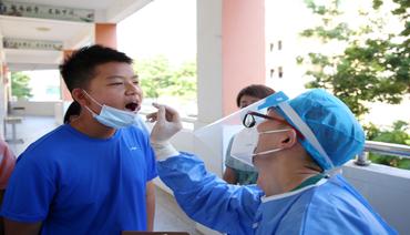 """""""一个都不能少""""蕉城区92393名师生接受核酸检测"""