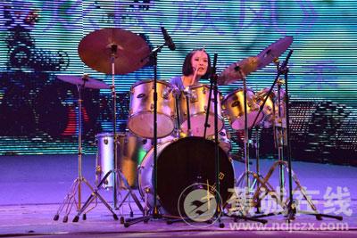 架子鼓表演《最炫民族风》